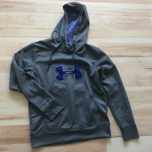 Under Armour Storm hooded sweatshirt Size Small